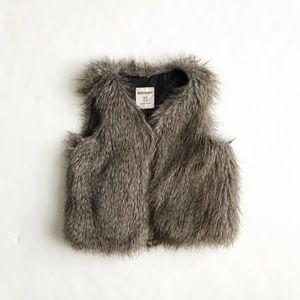 Old Navy faux fur lined vest EUC  SP(6/7Y)